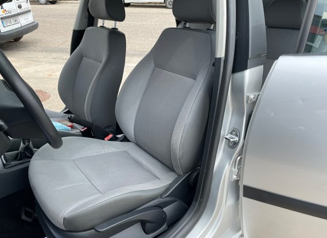 SEAT IBIZA 1.9 64CV lleno